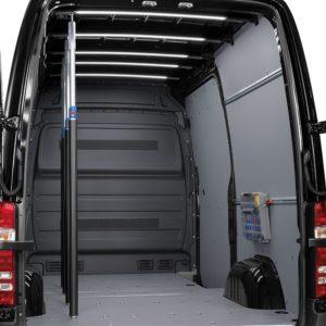 Sistema di fissaggio merce per la sicurezza del carico su furgoni e veicoli commerciali