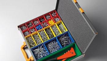 Divisori e contenitori per valigette in metallo