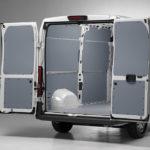 Exemples d'aménagement pour fourgons avec planchers et habillages Store Van