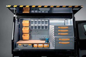Allestimento Pick Up con cassettiere , banco da lavoro e contenitori