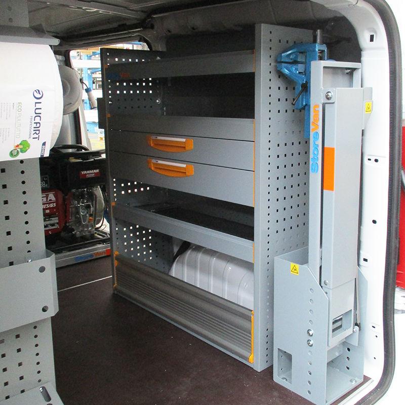 Scaffalatura per allestimento furgoni lato sinistro