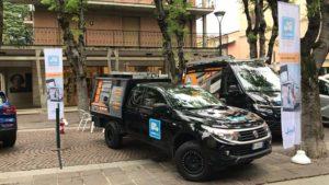 Festa dei Ciliegi in Fiore con allestimento e scaffali per furgone e Pickup